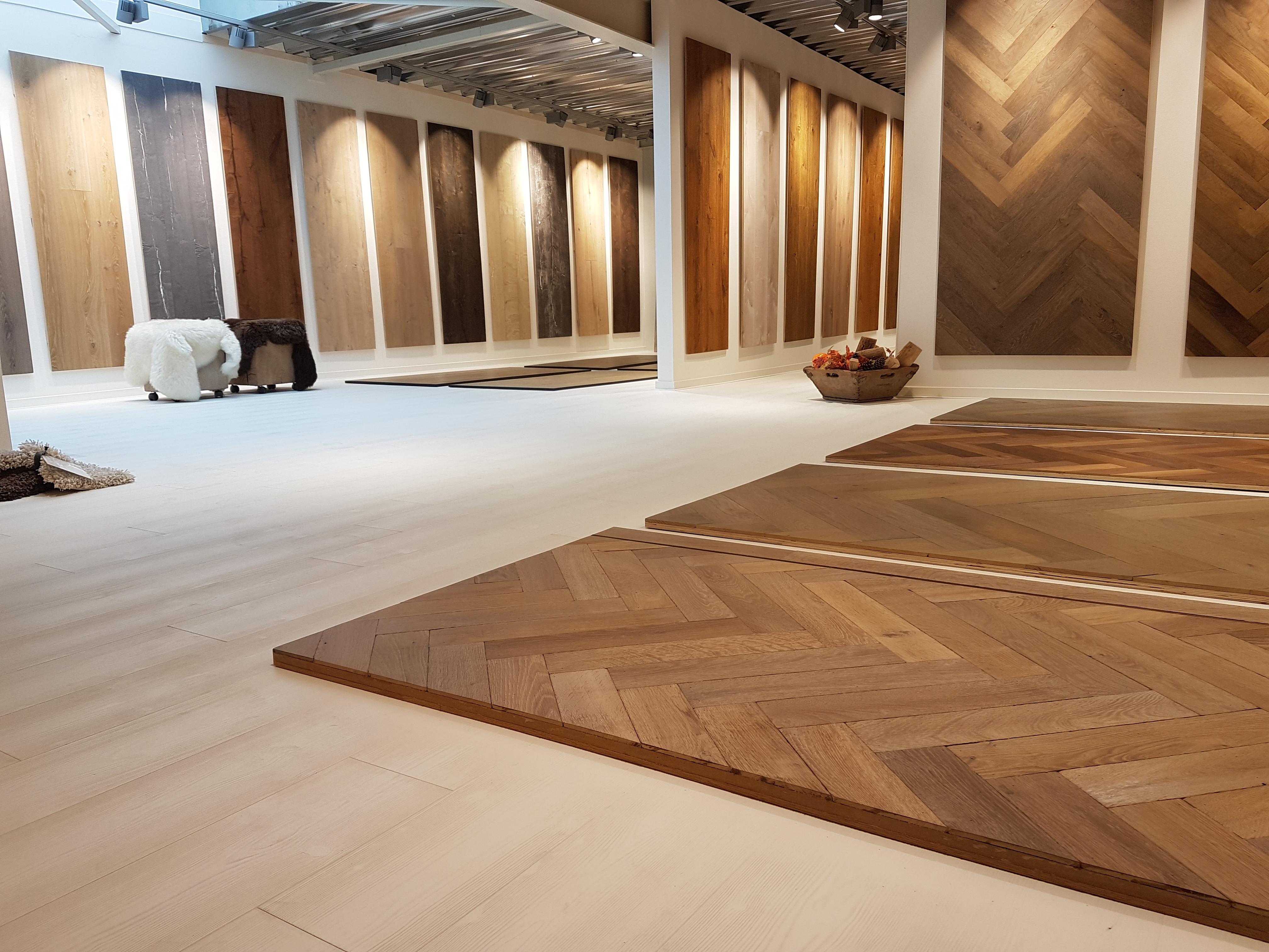 Elkwood-showroom-visgraat-vloeren